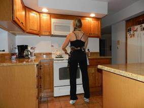 Do exercises in the kitchen while you're cooking